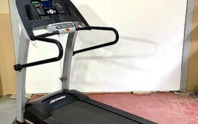 Life Fitness Fi Smart Treadmill